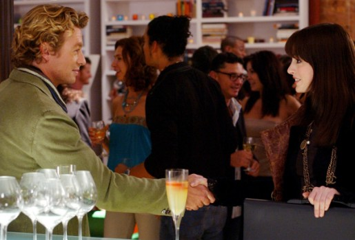 Andy (Anne Hathaway) meets famed writer Christian Thompson (Simon Baker). PHOTOGRAPHS TO BE USED SOLELY FOR ADVERTISING, PROMOTION, PUBLICITY OR REVIEWS OF THIS SPECIFIC MOTION PICTURE AND TO REMAIN THE PROPERTY OF THE STUDIO. NOT FOR SALE OR REDISTRIBUTION.