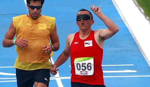 29 de Marzo de 2014/SANTIAGO Luis GutiÈrrez participa en los 5000 metros T 11 en los   I Juegos Parasuramericanos Santiago 2014  FOTO:IND/AGENCIAUNO/FELIPE FREDES **SOLO USO EDITORIAL,PROHIBIDA SU VENTA**